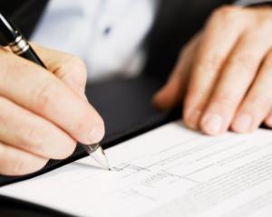 Contractul de comision pentru PFA. Reglementarea activitatii de comisionar
