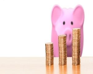 75% din salariu si in acest an scolar pentru parintii care sunt nevoiti sa stea acasa cu copiii