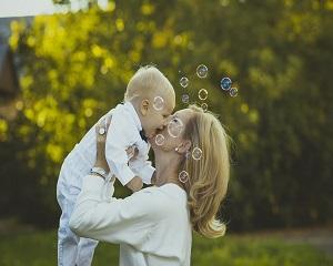 PFA in concediu de crestere copil. 7 intrebari si raspunsurile specialistului