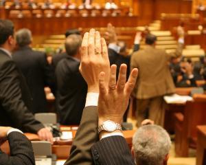 Contribuabilii care vor beneficia de Legea darii in plata ar putea fi scutiti de plata impozitului pe transfer