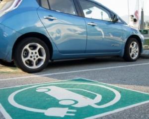 Firmele pot beneficia de 20.000 de lei de la stat pentru a-si achizitiona masini electrice