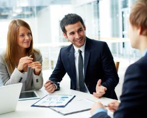 Analiza KeysFin. Tu cu cine faci business? Topul domeniilor economice expuse riscului de neplata