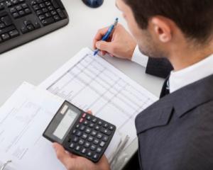 Deductibilitate PFA pentru rate lunare aferente unui contract de leasing