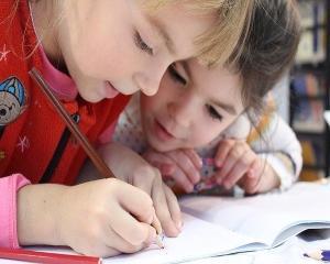 Parintii vor putea beneficia in curand de zile libere platite, pentru a sta acasa cu copiii