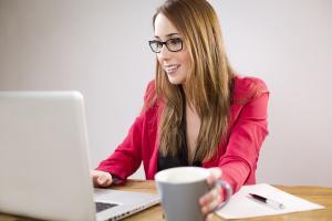 Ce obligatii au firmele cu cel putin 50 de angajati?